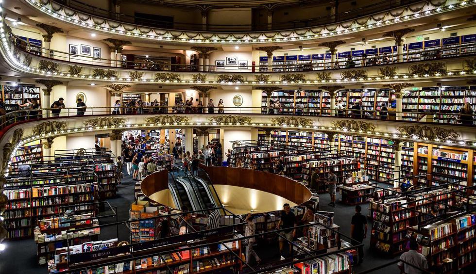 Được xem là một trong những hiệu sách đẹp nhất thế giới, cửa tiệm El Ateneo Grandlend ở Buenos Aires, Argentina kỷ niệm 100 năm ngày thành lập vào tháng 5 năm nay - Ảnh: AFP/ Getty Images