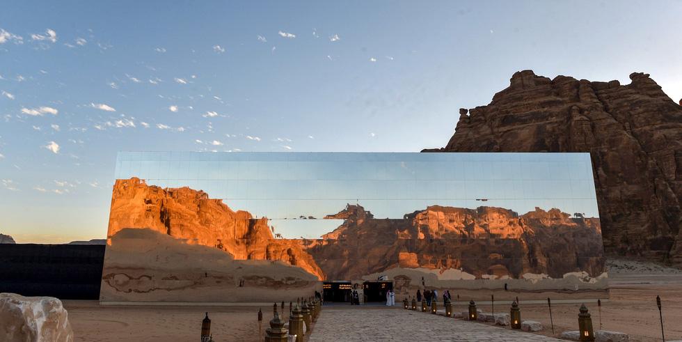 Phòng hòa nhạc độc đáo Maraya (tiếng Ả Rập có nghĩa là gương) ở Al-`Ula, Saudi Arabia - Ảnh: AFP/Getty Images