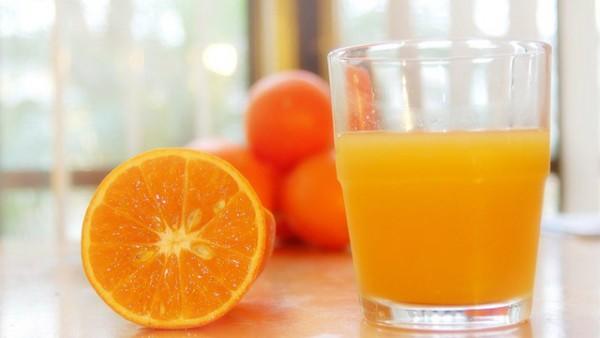 49.Uống nước cam mỗi ngày tốt như thế nào1
