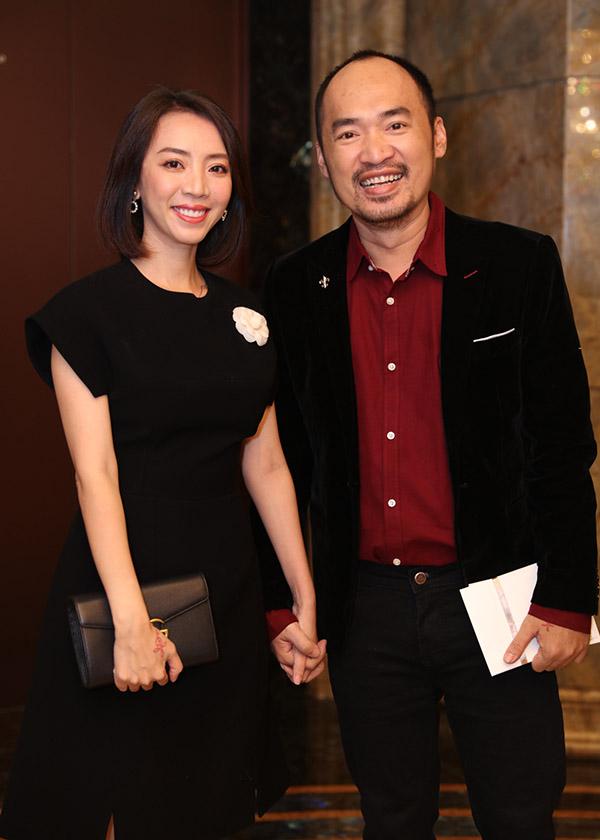 Vợ chồng Trấn Thành cùng dàn sao dự tiệc cưới đạo diễn Nhất Trung7