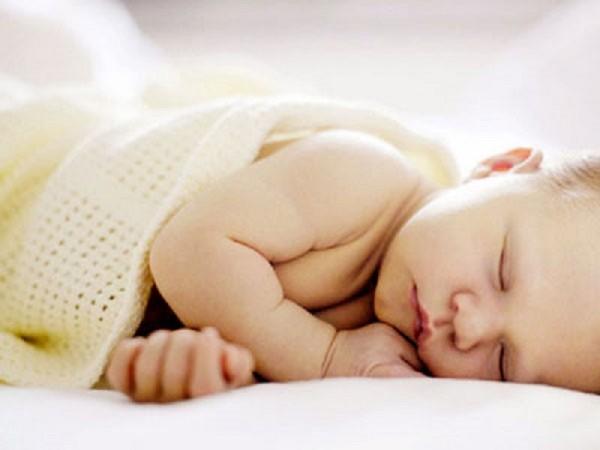 1. Trẻ sơ sinh và những điều mẹ bỉm không nên làm10