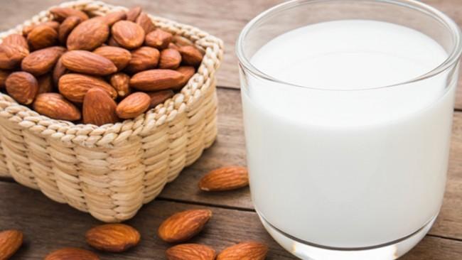 11.Cách làm sữa hạnh nhân tại nhà1