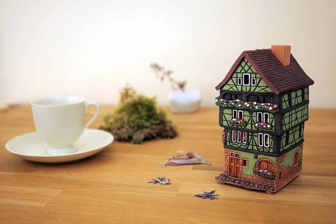 Nhà ở Cormal nổi tiếng đến nỗi nó được làm mô hình, vẽ tranh... để du khách mua về làm quà lưu niệm.