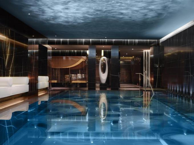 2.Căn penthouse xa xỉ nơi đại gia đình Trump nghỉ tại Anh13