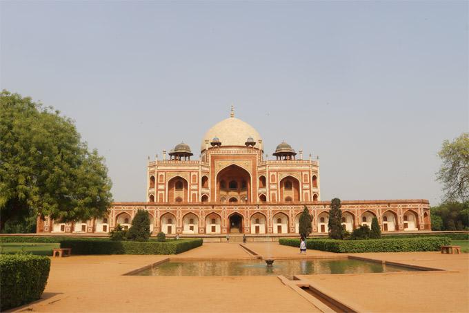 Lăng mộ của Humayun là cảm hứng xây dựng đền Taj Mahal.