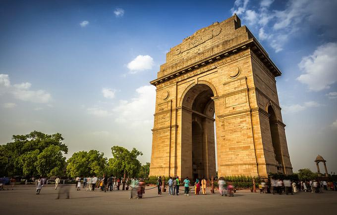 Cổng Ấn Độ có kiến trúc gần giống Khải Hoàn Môn ở Pháp. Ảnh: DforDelhi