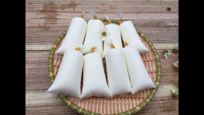 3.Làm sữa chua túi bằng nồi cơm điện cực đơn giản1