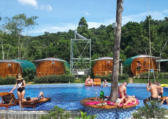 4.Ba khách sạn giá rẻ tha hồ sống ảo trong mùa hè1
