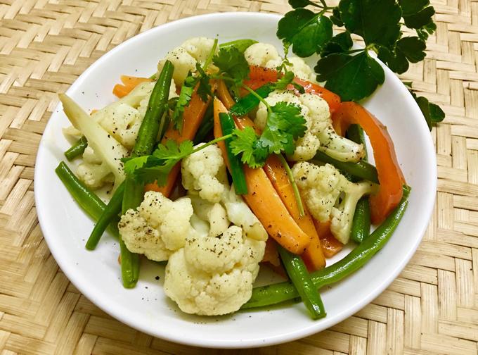 5.Bông cải xào ớt chuông bổ dưỡng