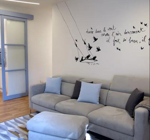 5.Các mẫu trang trí phòng khách đẹp cho người trẻ tuổi
