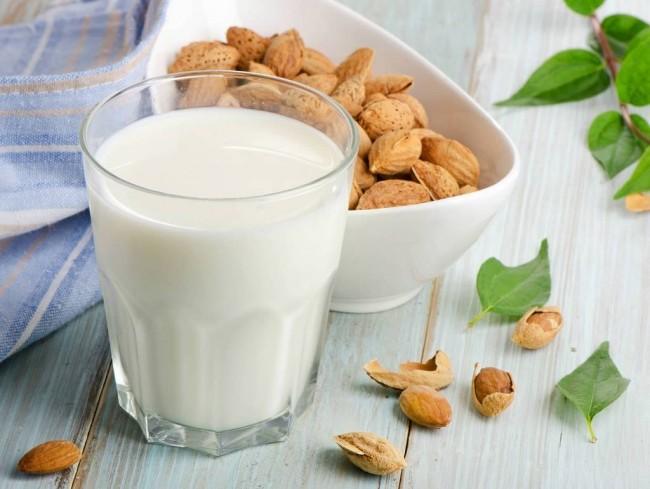 6.Hãy yêu sữa hạnh nhân hơn vì những lí do sau.1