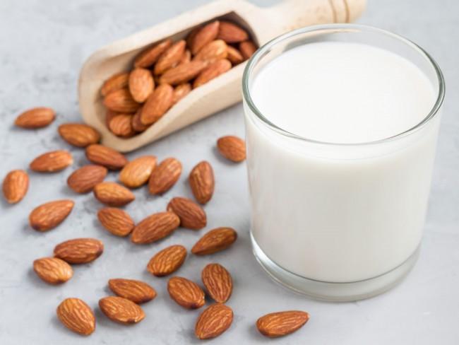 6.Hãy yêu sữa hạnh nhân hơn vì những lí do sau.4