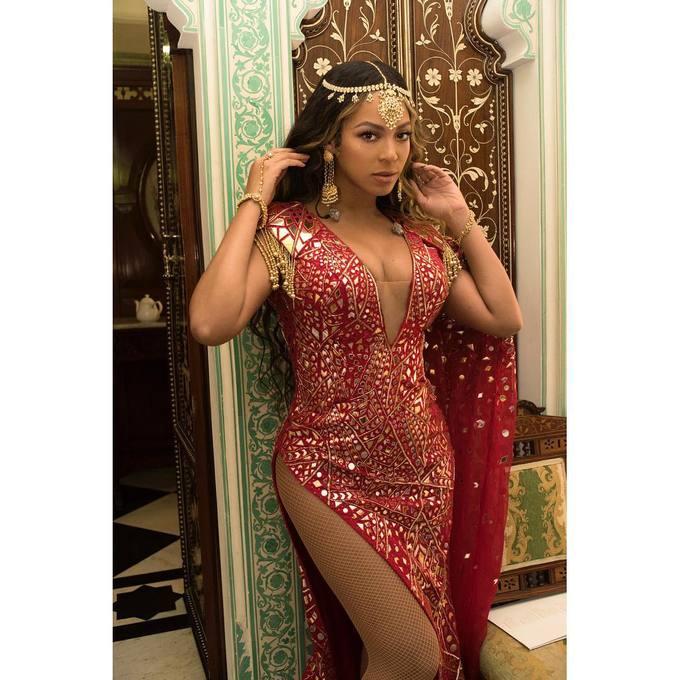 Thời điểm đóng phim Dreamgirls (2006), Beyoncé đã nhịn đói và chỉ uống nước chanh detox để ép cân. Thức uống này thường bao gồm chanh tươi, si rô cây phongg và ớt bột Cayenne. Tuy nhiên, nữ ca sĩ khẳng định sẽ không áp dụng cách này thêm một lần nào nữa thay vào đó cô ăn chay gián đoạn.