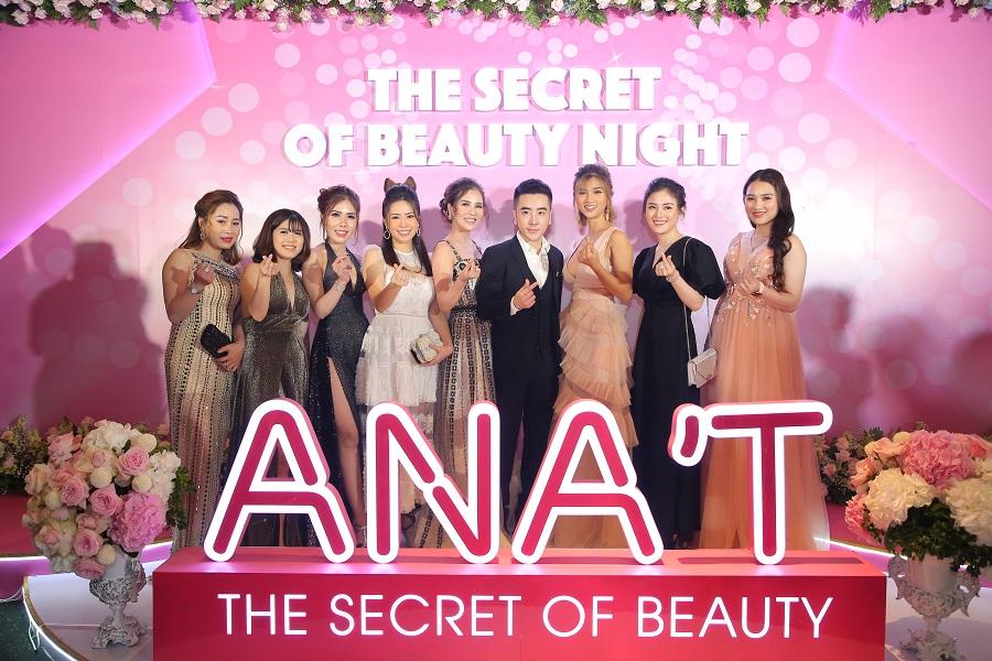 Dàn sao nữ xinh đẹp đến với buổi ra mắt mỹ phẩm ANA'T.