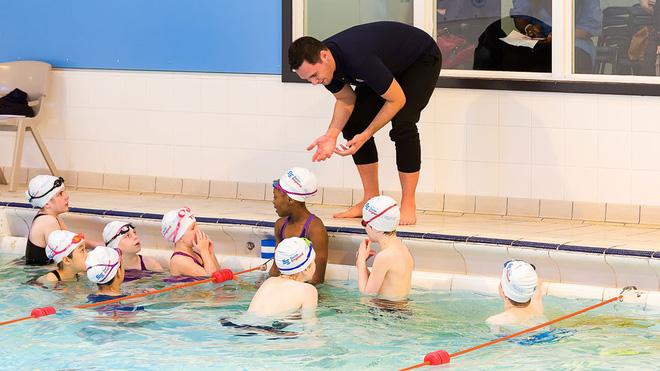 học bơi3