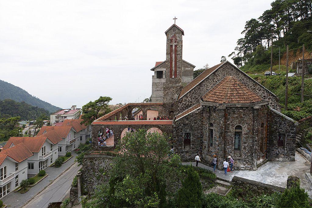Nhà thờ đá cổ tại Tam Đảo