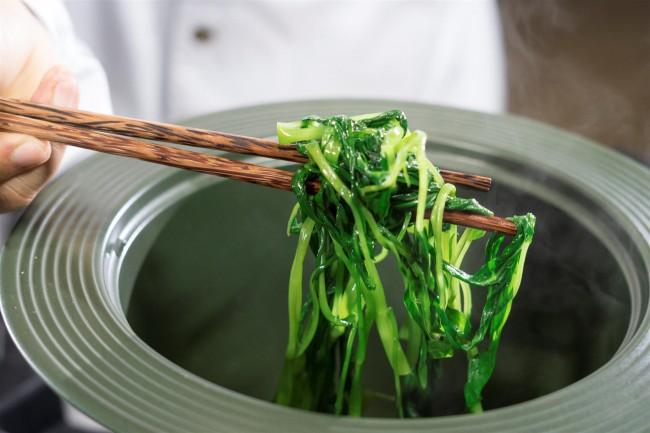 2. Bí quyết làm rau muống xào tỏi ớt chuẩn màu đúng vị5
