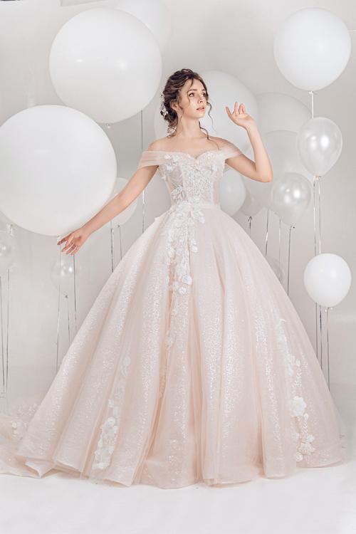 2.Váy cưới hồng pastel xòe bồng cho cô dâu hạ thu4