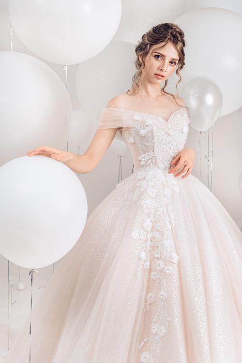 2.Váy cưới hồng pastel xòe bồng cho cô dâu hạ thu5