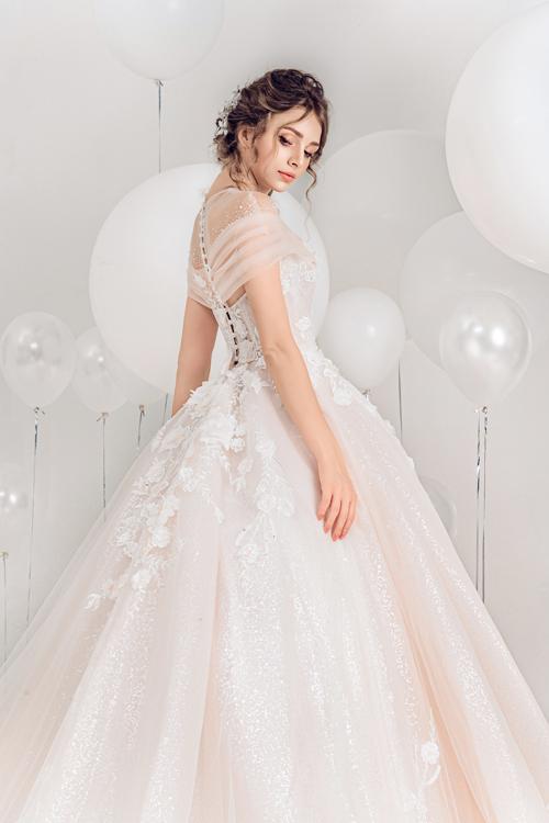2.Váy cưới hồng pastel xòe bồng cho cô dâu hạ thu6