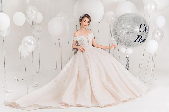 2.Váy cưới hồng pastel xòe bồng cho cô dâu hạ thu7