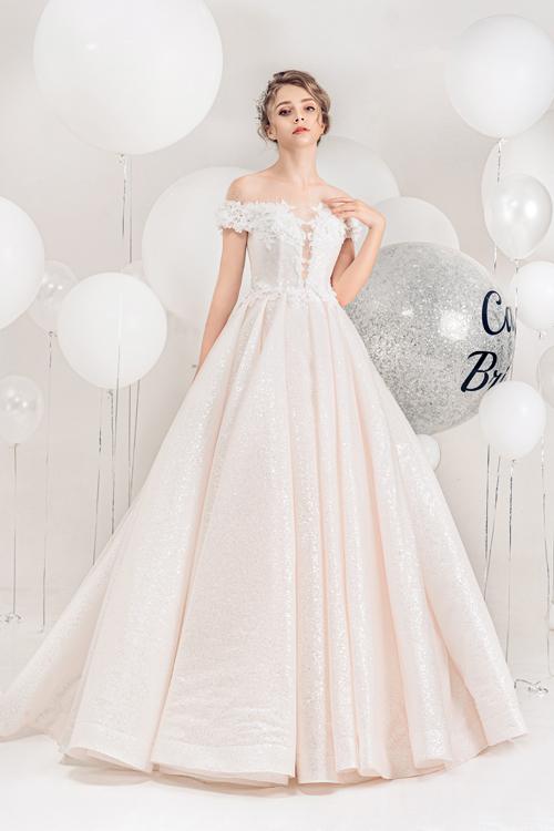 2.Váy cưới hồng pastel xòe bồng cho cô dâu hạ thu9