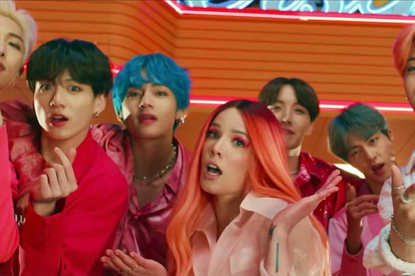 Boy With Luv của BTS giúp nhóm nhận 4 đề cử - Ảnh cắt từ clip