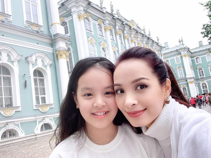 4.Thúy Hạnh - Minh Khang đưa hai con thăm nước Nga2