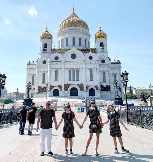 4.Thúy Hạnh - Minh Khang đưa hai con thăm nước Nga4