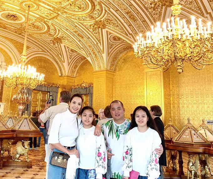 4.Thúy Hạnh - Minh Khang đưa hai con thăm nước Nga8