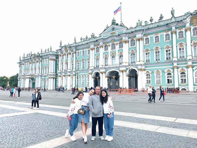 4.Thúy Hạnh - Minh Khang đưa hai con thăm nước Nga9