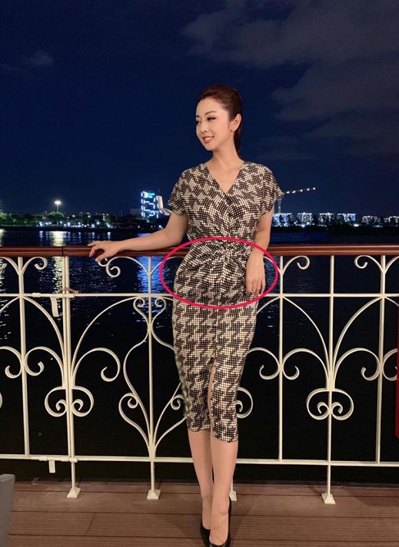 Hoa hậu Jennifer Phạm vướng nghi án mang bầu lần 4.