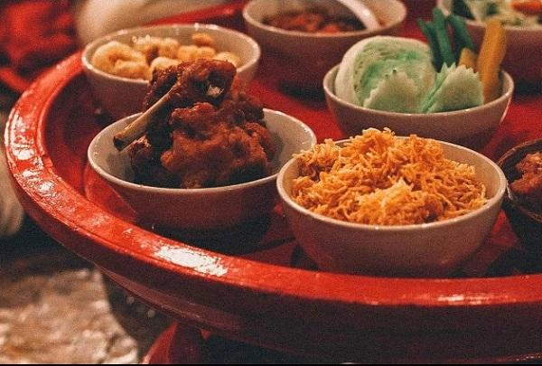 6. ăn bốc kiểu hoàng gia ở Thái3