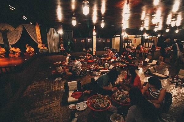 6. ăn bốc kiểu hoàng gia ở Thái4