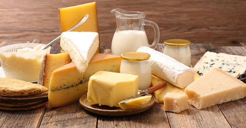 Cho bé ăn những loại thức ăn chứa bơ sữa là một sai lầm phổ biến của bố mẹ khi bé bị thủy đậu