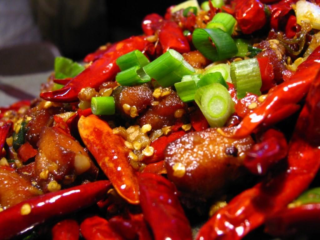 Các loại thức ăn cay nóng chắc chắn không phải sự lựa chọn sáng suốt khi bị bệnh