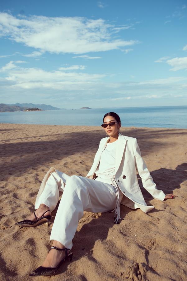 Hoang Thuy_Beach (12)