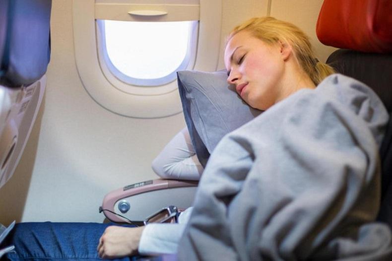 Những lưu ý nên tuân thủ khi bay trên 10 tiếng