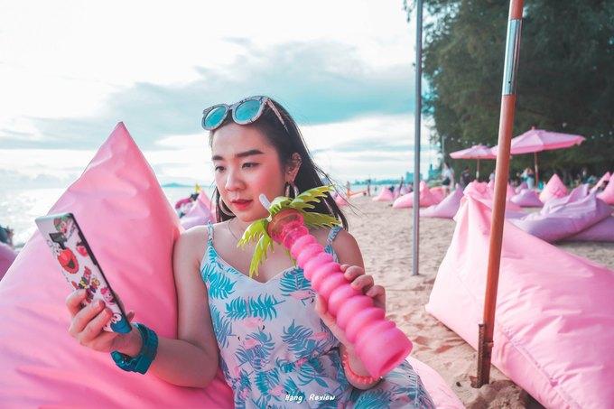 Quán bar màu hồng sát bờ biển Pattaya làm say lòng phái nữ2