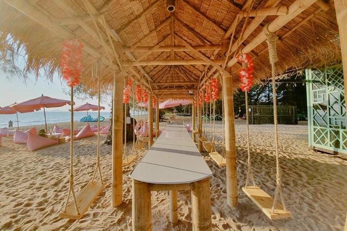 Quán bar màu hồng sát bờ biển Pattaya làm say lòng phái nữ3