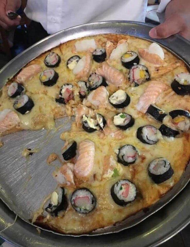 8. Khi bạn đang nướng bánh pizza và chợt nhớ ra mình muốn ăn sushi...