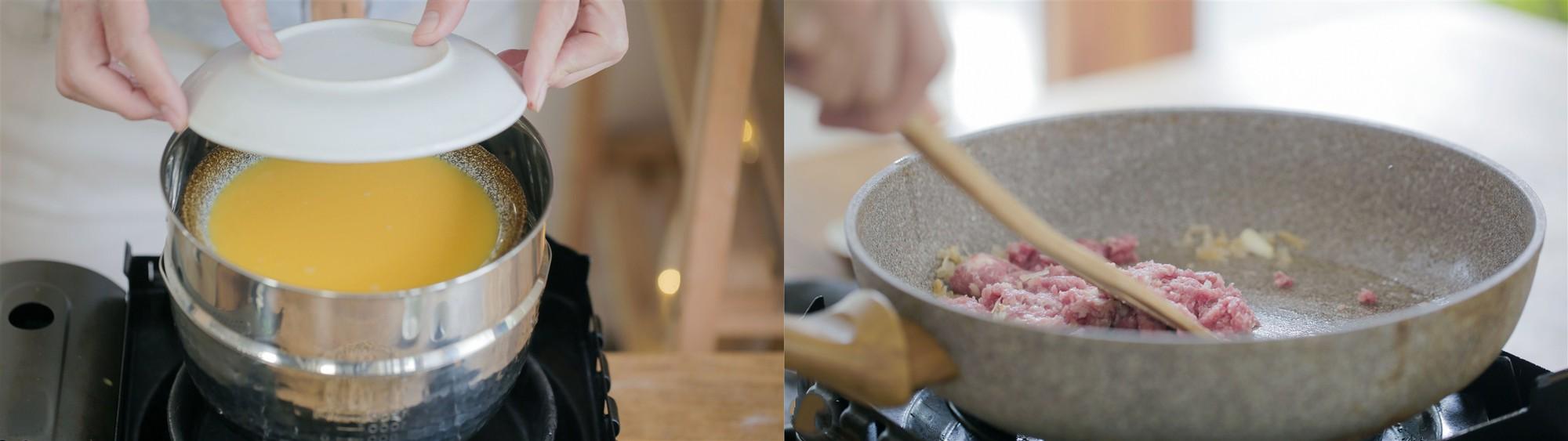 Thêm nước tương và muối vào đảo đều cho thịt thấm gia vị. Sau đó đổ 150ml nước vào chảo thịt, đun sôi nhỏ lửa trong khoảng 6 phút rồi tắt bếp. Lấy đĩa trứng hấp ra, thêm thịt băm đã xào lên trên cùng với hành lá thái nhỏ là hoàn thành.