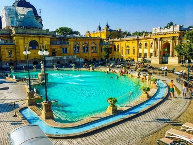 15. bể bơi đẹp như cung điện4