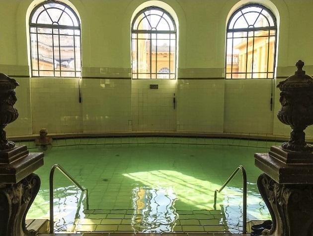15. bể bơi đẹp như cung điện7