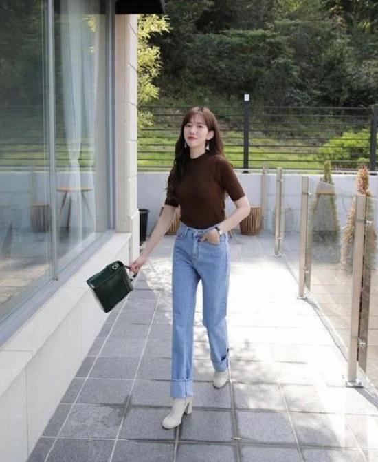 Dù là cô nàng 'nấm lùn' hay bạn gái có chiều cao lý tưởng thì giày cao gót vẫn là phụ kiện hữu ích trong việc mang tới nét thanh mảnh, uyển chuyển cho bước đi.