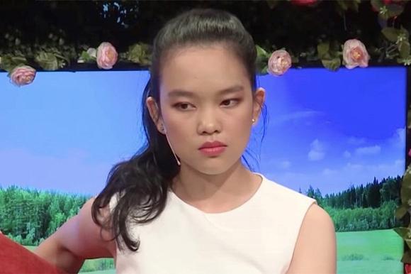"""Cô gái đòi bạn trai tài trợ đi du lịch châu Âu mới hẹn hò - Thùy Dương bị dân mạng """"ném đá"""" không thương tiếc."""