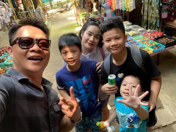 Gia đình hạnh phúc của BTV Quang Minh