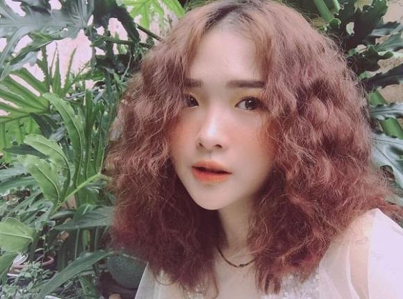 """Cô gái được cho là bạn gái của Bảo sau khi đi du học trong phim """"Về nhà đi con"""" tên là Lê Na."""