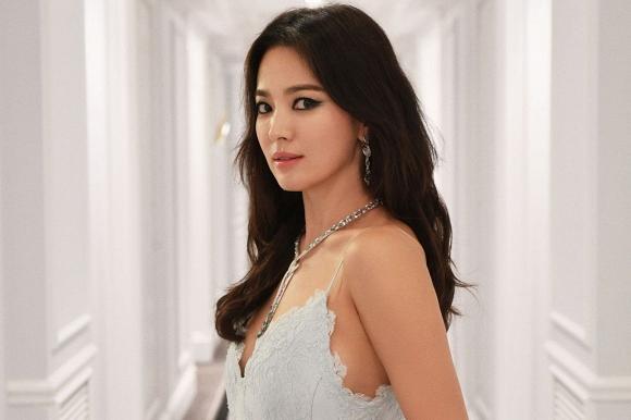 Nhiều đồn đoán cho rằng việc Song Joong Ki bị Song Hye Kyo cằm sừng là sự thật.