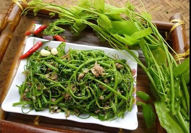 3. dac san cua que hoa hau Luong Thuy Linh5